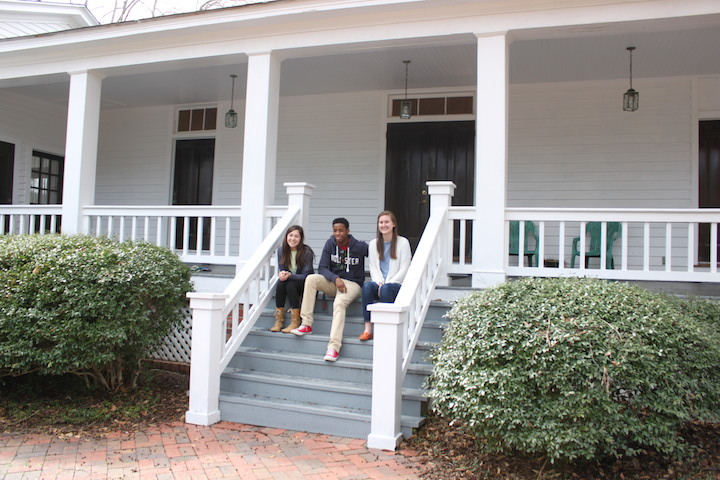 students on steps of Pebble Hill